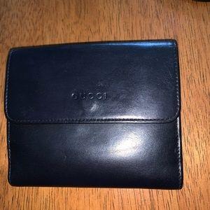 Gucci unisex black leather wallet